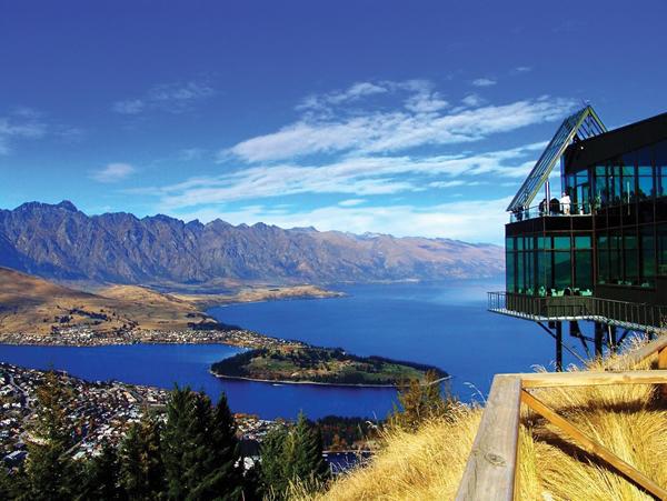 山頂Stratosfare自助餐(全球十大觀景餐廳之一)