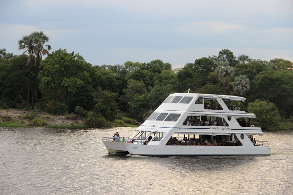 贊比西河日落船河